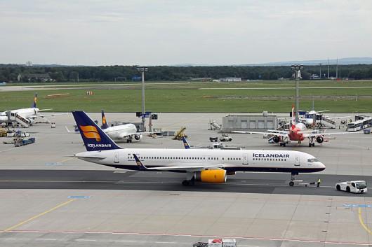 ICELAND Air B757-200 TF-FIO