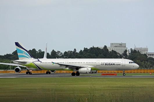 AirBusan A321 HL8213