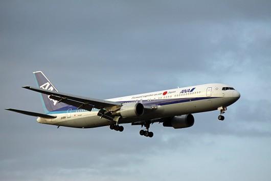 ANA B767-300ER JA611A