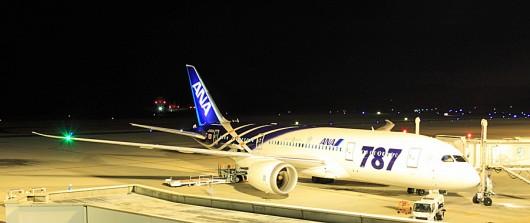 広島空港の787