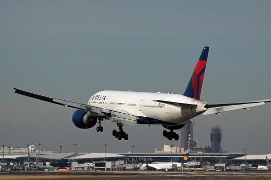 DL/DAL/デルタ航空 B777-200 N702DN