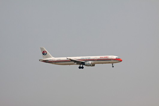 MU/CES/中国東方航空 A321 B-6330