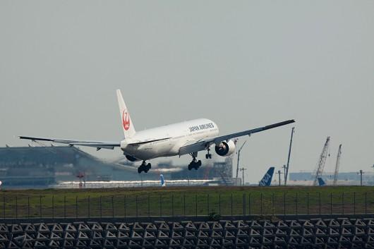日本航空 B777-300 JA8943