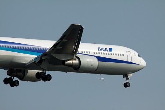 全日空 B777-200 JA8578