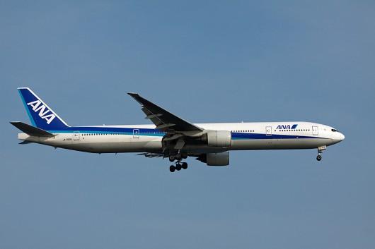 全日空 B777-300 JA752A