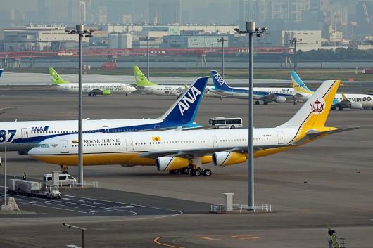 BI/RBA/ロイヤルブルネイ A340-300 V8-BKH