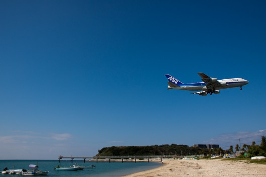 NH/ANA/全日空 B747-400D JA8960 Approaching OKA RWY36 over the SENAGAJIMA