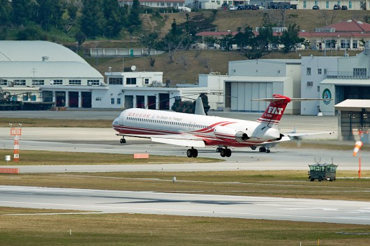 EF/FAT/遠東航空 MD-82 B-28037