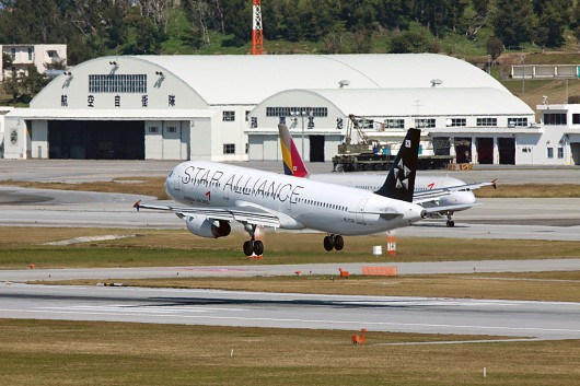 OZ/AAR/アシアナ航空 A321 HL7730 Star Alliance