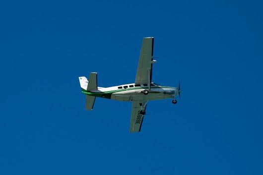 共立航空測量のセスナ機が離陸していきました。何かの測量で飛来してたのでしょうか?