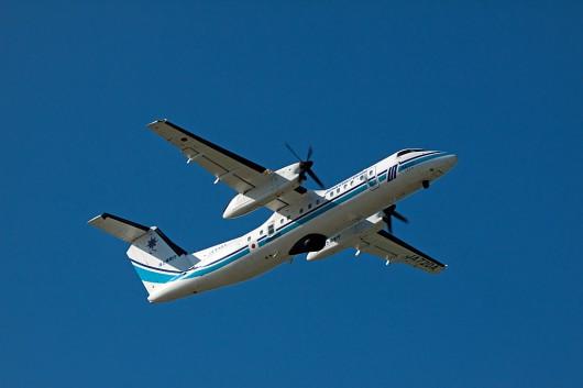 海上保安庁のダッシュ8が訓練の為に飛来してきました。