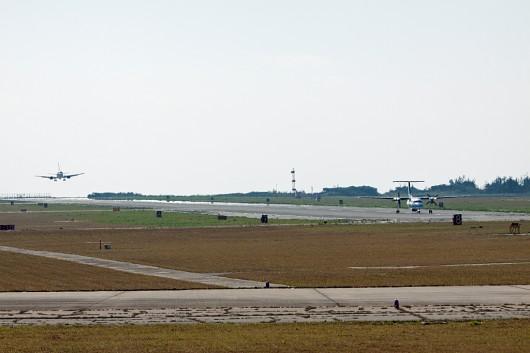 海上保安庁も訓練もしていたので、ANA機と2機が入れ替わるようにタッチアンドゴーをします。