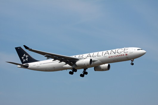 AC/ACA/エアカナダ A330-300 C-GHLM Star alliance Color