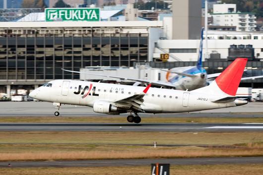 XM/JLJ/ジェイエア JL2164 ERJ-170 JA212A
