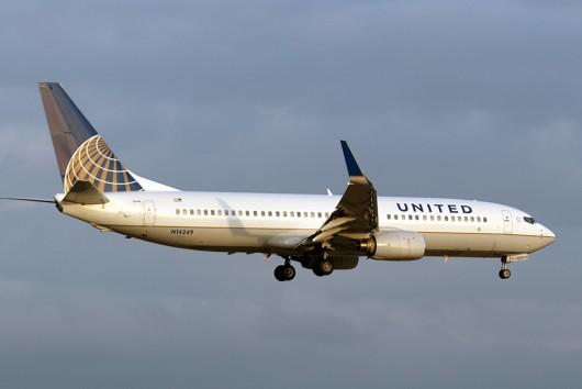 UA/UAL/ユナイテッド航空  B737-800 N14249