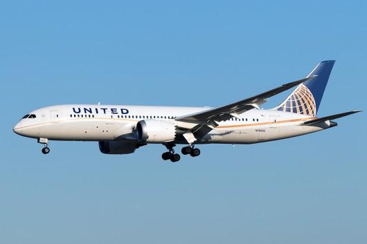 UA/UAL/ユナイテッド航空  B787-8 N26902