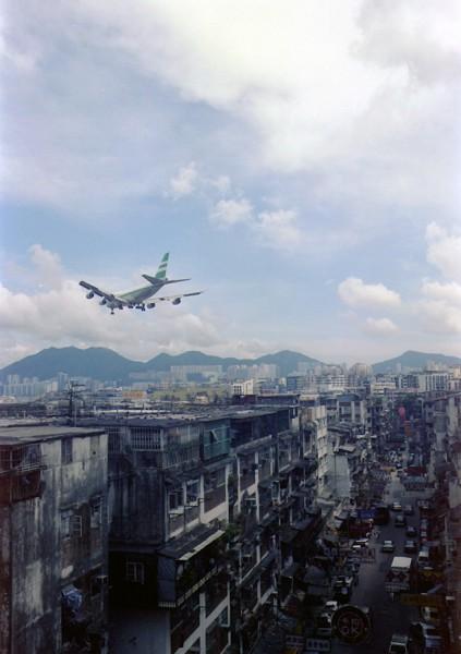 香港啓徳空港にアプローチする747