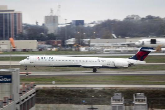 DL/DAL/デルタ航空 MD90 N911DA