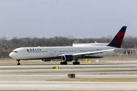 DL/DAL/デルタ航空  B767-400ER N826MH