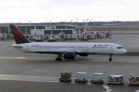 DL/DAL/デルタ航空  B757-200 N651DL
