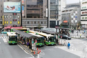 下町の重要な足。バス路線を守らないと