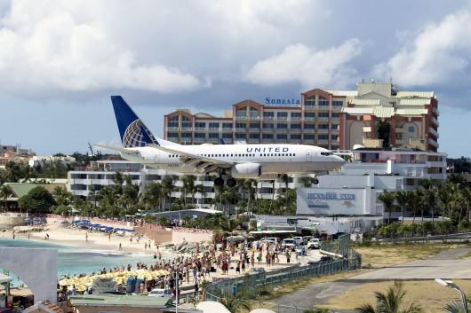 UA/UAL/ユナイテッド航空 UA1615 B737-700 N17730