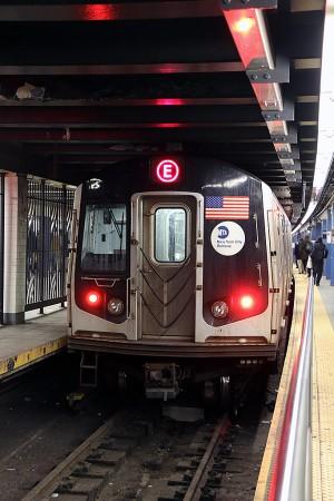 地下鉄E線