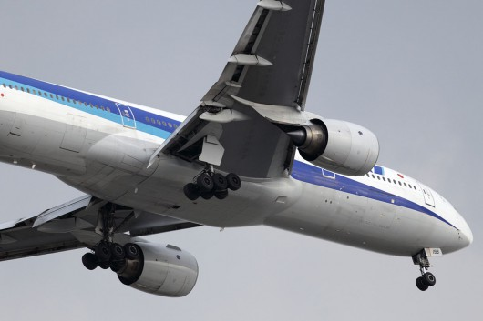 NH/ANA/全日空  B777-200 JA8198