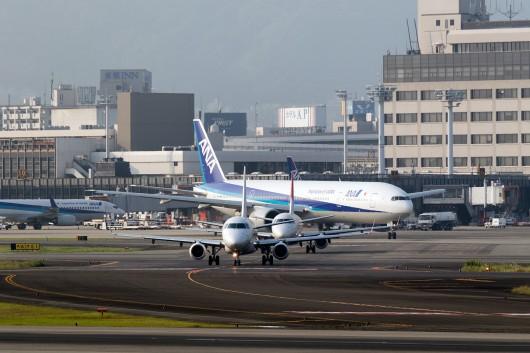 XM/JLJ/ジェイエア  ERJ-170 JA218J
