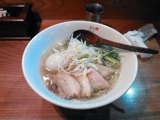 鶏塩ラーメン900円