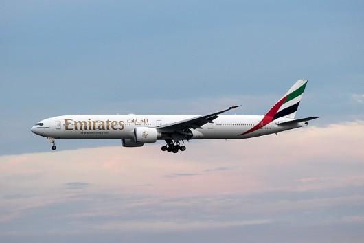 EK/UAE/エミレーツ航空  B777-300 A6-ECM