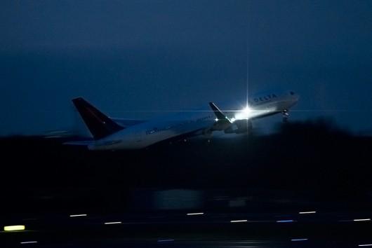 DL/DAL/デルタ航空 B767-300ER