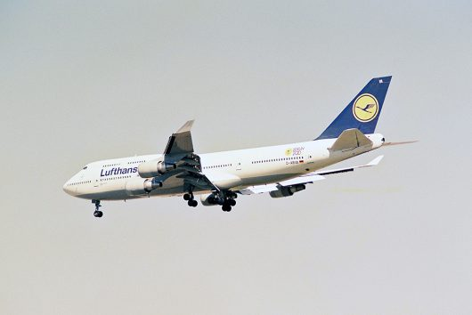 LH 747-400BERLIN200
