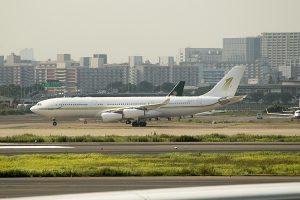 HZ-SKY1 A340-200