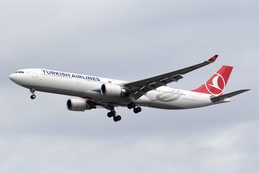 TK/THY/トルコ航空 TK64 A330-300 TC-LND