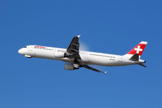 LX/SWR/スイス国際航空  A321 HB-IOC