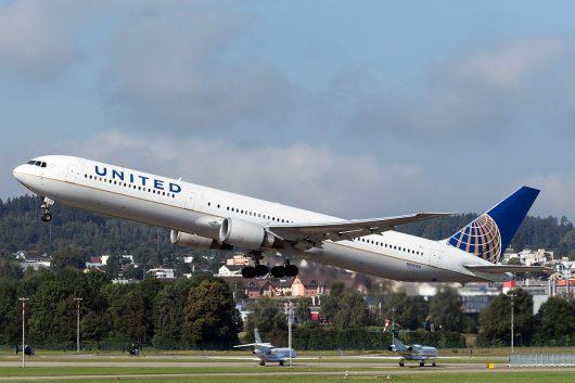 UA/UAL/ユナイテッド航空  B767-400ER N69059