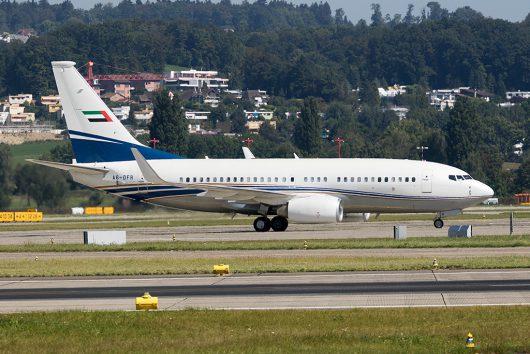 ROJ /ロイヤル・ジェット  B737-700 A6-DFR