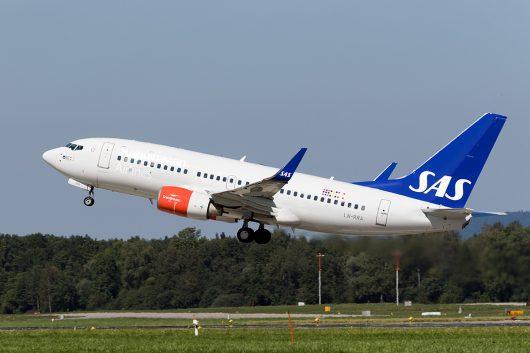 SK/SAS/スカンジナビア航空  B737-700 LN-RRA
