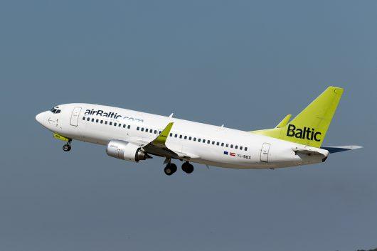 BT/BTI/エア・バルティック  B737-300 YL-BBX