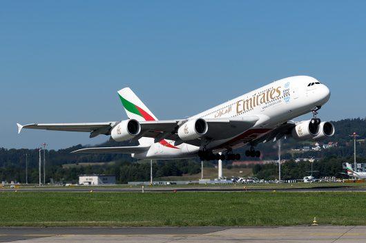 EK/UAE/エミレーツ航空  A380 A6-EOV