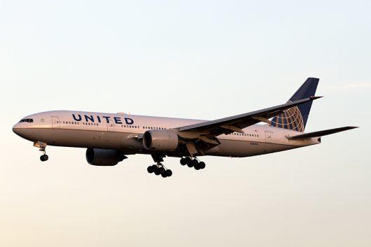 UA/UAL/ユナイテッド航空  B777-200ER N206UA