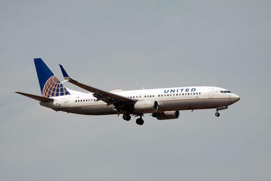 UA/UAL/ユナイテッド航空  B737-800 N73298
