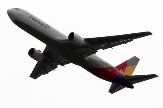 OZ/AAR/アシアナ航空  B767-300 HL7528