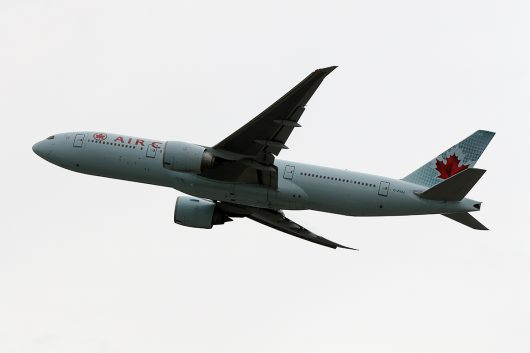 AC/ACA/エアカナダ  B777-200LR C-FIUJ