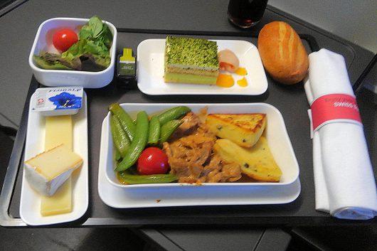 ビジネスクラスの機内食