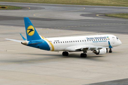 PS/AUI/ウクライナ国際航空  ERJ190 UR-EMB