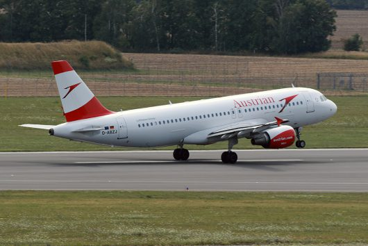 OS/AUA/オーストリア航空 A320 D-ABZJ