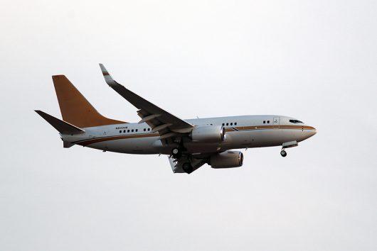 Biz//Biz-Jet  B737-700BBJ N930HB