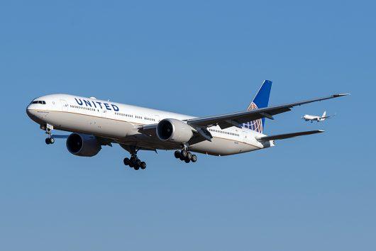 UA/UAL/ユナイテッド航空  B777-300ER N2331U